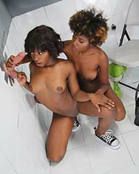 Daizy Cooper & Noemie Bilas